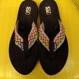 Teva Mush Flip flops size 8